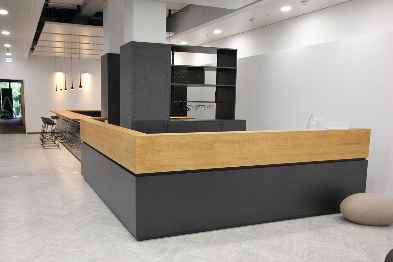 Ladenbau Büroausbau Showroom   21m Holztechnik